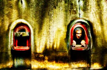 """Locais de alquimia: conheça a segunda série de fotos de vinicultores de Gaillac, França, feitas por Julie Lecomnte com """"light painting"""", criatividade e bom humor"""