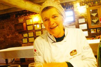 Conheça a Dona Odete, Chefe de uma Família de Mulheres Agricultoras que Superou Desafios e Hoje Encanta Turistas na Estrada do Sabor, Garibaldi, na Serra Gaúcha