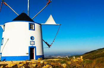 Moinho de Avis: a beleza a favor do vento na Serra do Montejunto em Vilar, Cadaval, uma simpática atração turística pertinho de Lisboa
