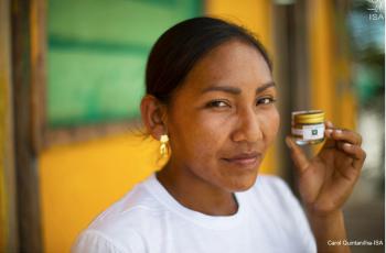 Por que o maior varejista da América Latina anuncia um pequeno vidrinho de pimenta produzida por índias Baniwa da Amazônia?